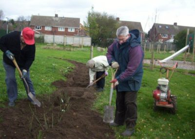 Volunteers attending to the gardens 16 December 2011 4